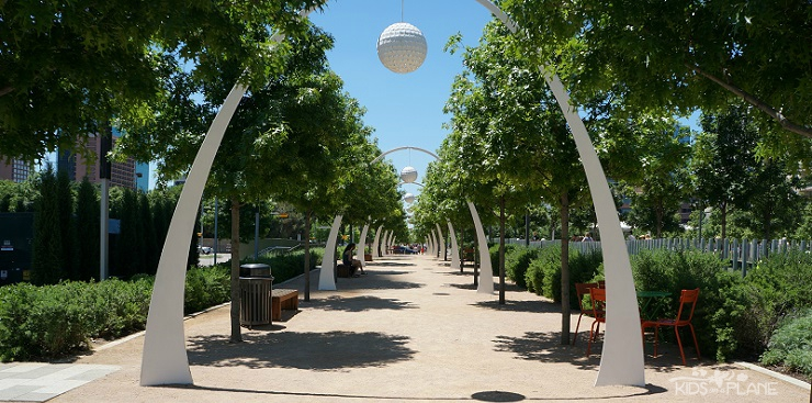 Klyde Warren Park is a park between uptown and downtown Dallas where families can have fun for free