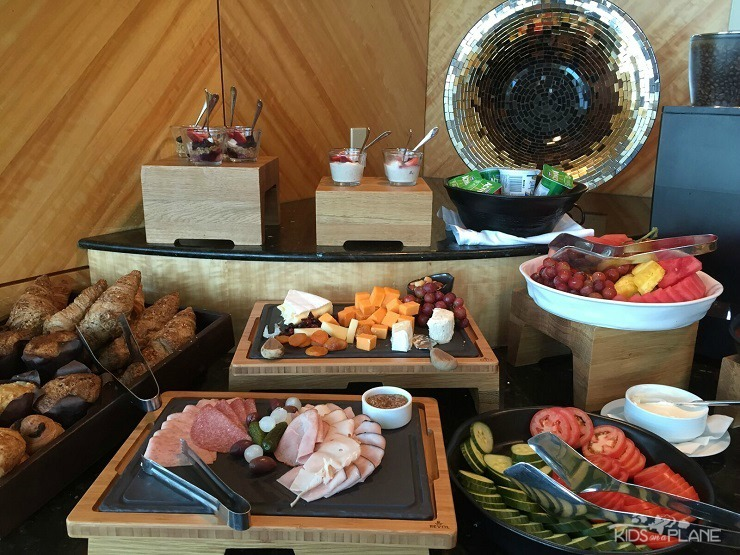 Fairmont Vancouver Airport Hotel Review - Fairmont Gold Guests can enjoy complimentary breakfast buffet every morning