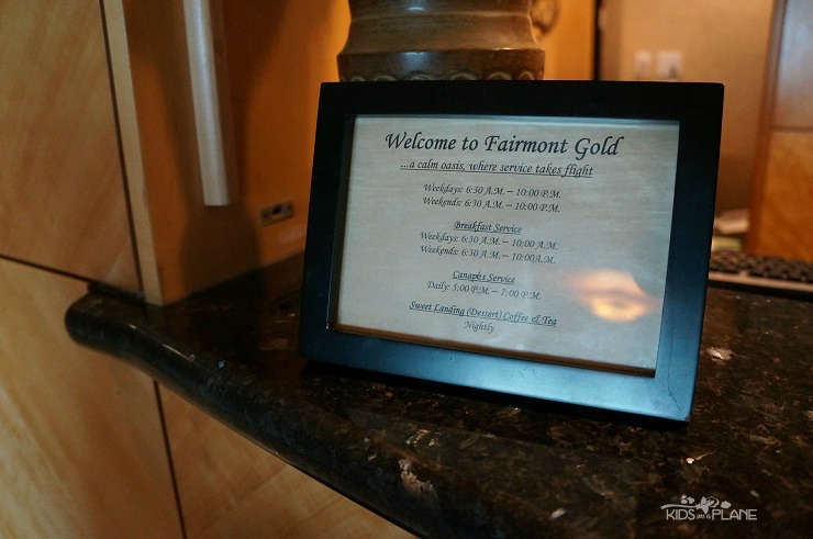 Fairmont Vancouver Airport Hotel Review - a look around the Fairmont Gold Lounge