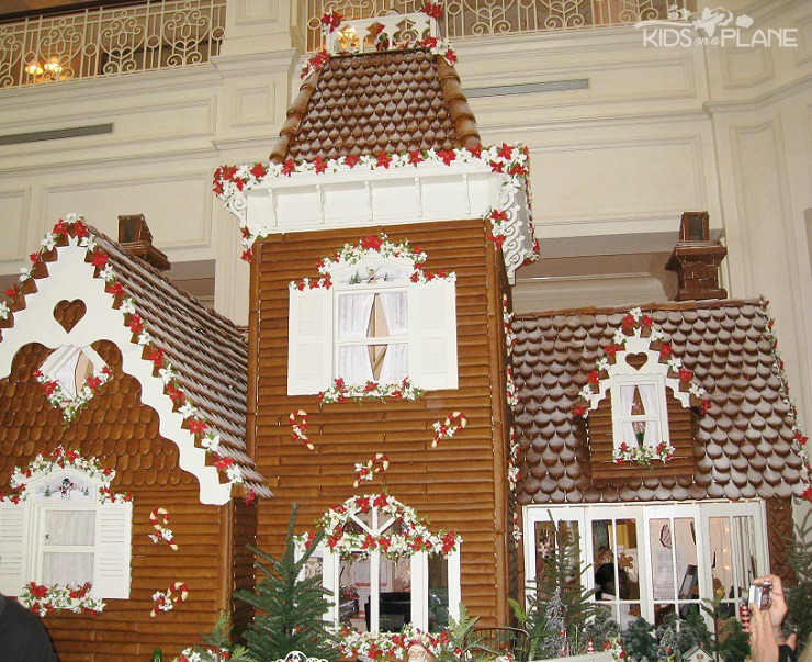 19 holiday events and activities for families at Walt Disney World - Life Sized Gingerbread House at the Grand Floridian