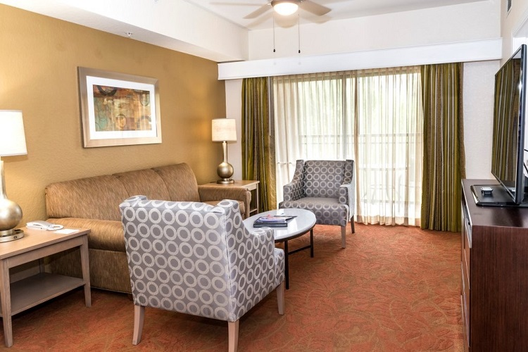 Floridays Resort Hotel - Affordable hotel room close to Orlando theme parks