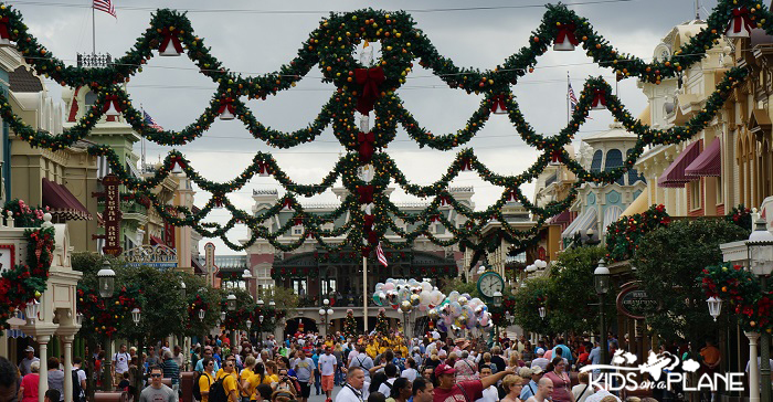 Disney World in December 2013 Magic Kingdom | KidsOnAPlane.com #disneyworld #magickingdom #christmas #decemberdisney