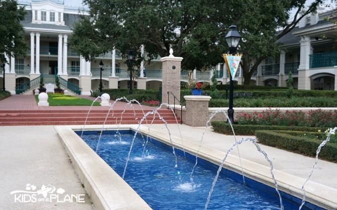 Royal Guest Rooms Port Orleans Riverside Parterre Place | KidsOnAPlane.com #disneyworld #hotel #review