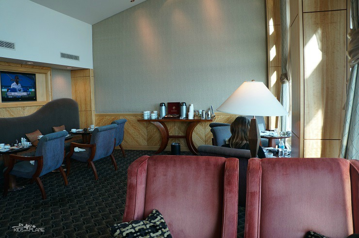 Fairmont Vancouver Airport Hotel Review - Fairmont Gold Lounge is open to all Fairmont Gold Guests