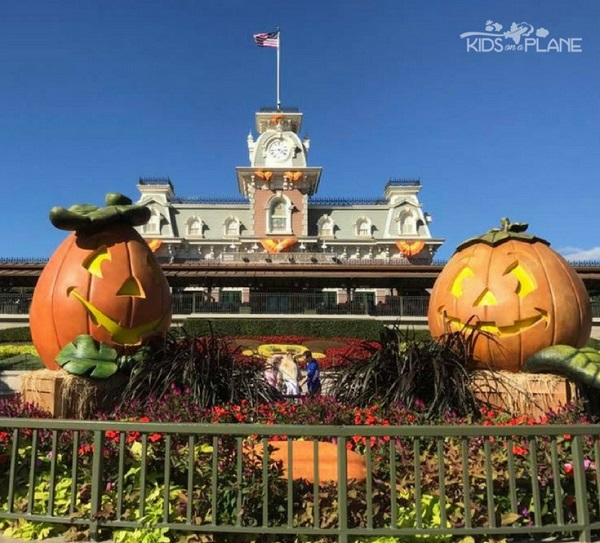 Halloween In Disney Florida.Disney World Vacations In The Fall 5 Reasons Why You