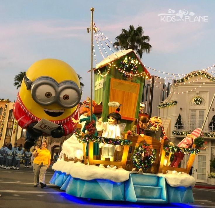 Macys Parade Universal Orlando Resort - Best Travel Tips for Celebrating the Holidays