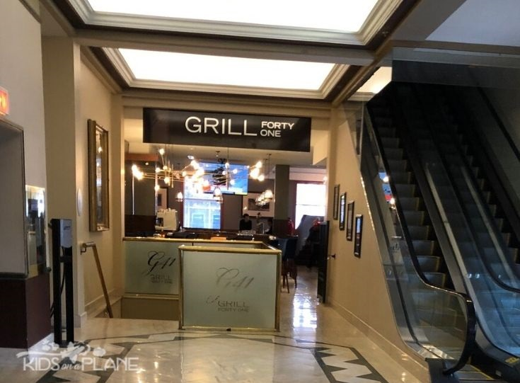 Lord Elgin Hotel Ottawa Review - Dining Options include Starbucks and an Onsite Restaurant Grill 41