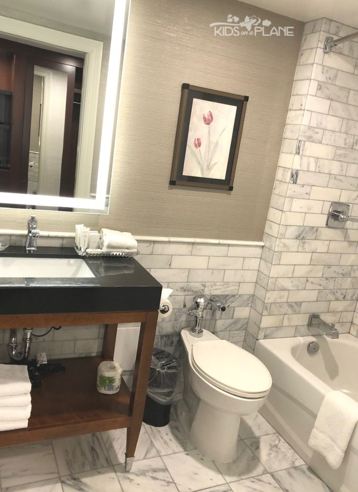 Lord Elgin Hotel Ottawa Review - marble bathroom is clean and well appointed