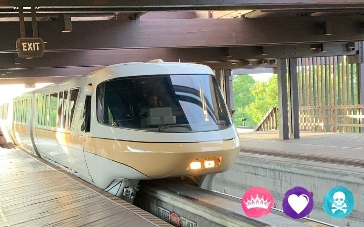 Grand Floridian vs Polynesian Resort Disney World - Both resorts are located on the monorail line to Magic Kingdom